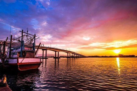 Taksin the Great Bridge(Laemsing)